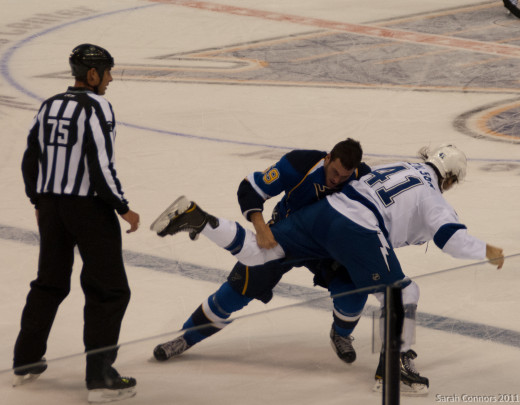 By Sarah Connors (Blues vs Lightning-7474.jpg  Uploaded by Carport) [CC-BY-2.0 (http://creativecommons.org/licenses/by/2.0)], via Wikimedia Commons