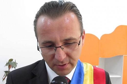 Catalin Rotundu, the Mayor of Dângeni.