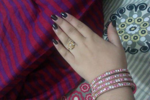 Her hands !!