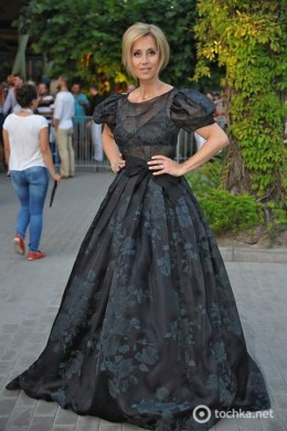 Lara Fabian in Latvia, in the New Wave Festival, where she was one of the headliners - July 2014. Dress by Igor Gulyaev.