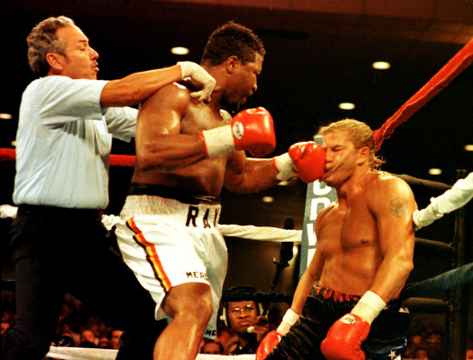 Ray Mercer showed his chin and his crushing power in his bout with Tommy Morrison. Mercer won the bout by 5th round knockout in Atlantic City, New Jersey.