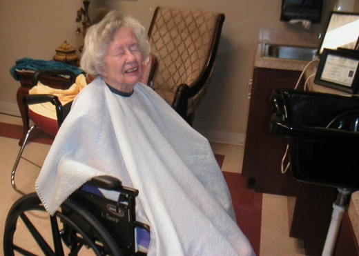 10 gift ideas for nursing home residents wehavekids a new hair style is uplifting for a nursing home resident negle Choice Image