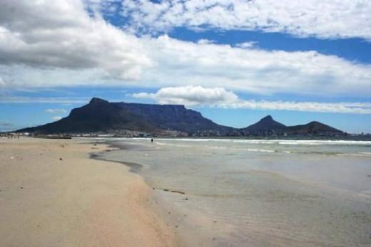 Milnerton - View on Table Mountain @ Wikipedia