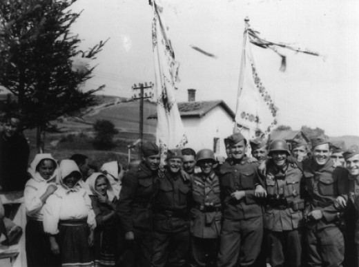 German and Slovakian soldiers at the Polish village of Komańcza.