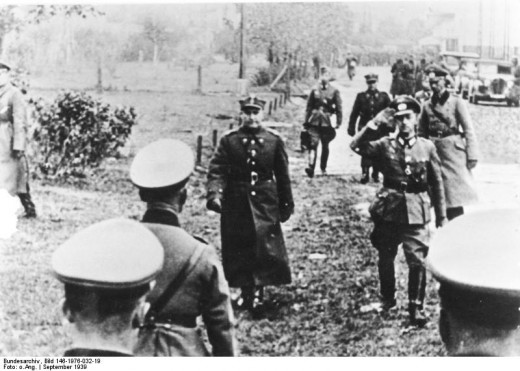 General Tadeusz Kutrzeba arriving to negotiate the surrender of Polish capital with General Johannes Blaskowitz.