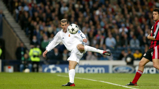 Zidane in 2001 UEFA Champions League final.