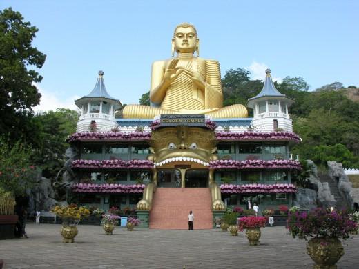 Dambulla - rare Buddhist architecture
