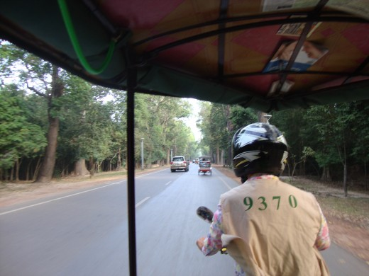 The drivers must wear these vests when accompanying tourists in Angkor Wat Park, so be creative about finding ways to set them apart from the others for your convenience when meeting up.