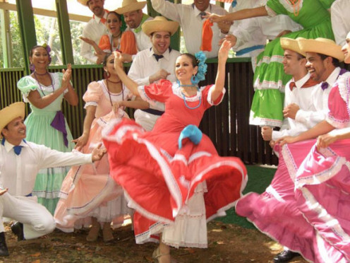 "Traditional ""bomba y plena"" (chanting and dancing) being performed during the Christmas season"