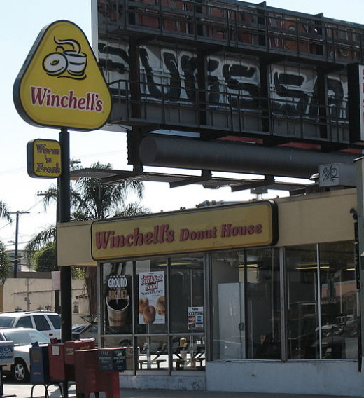 This Winchell's Donut House in Southern California looks very much like the one in my old neighborhood.
