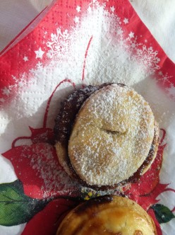 Hot Christmas Mince Pies Have to be Hot!