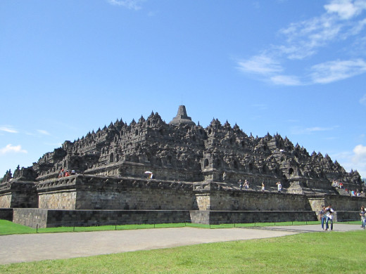 Borobudur, The largest Buddhist temple in the world. A unique vacation destination