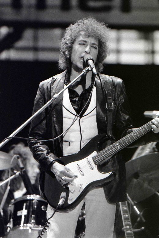 Bob Dylan didn't write so many songs by sitting around and thinking about it, he got right to work!