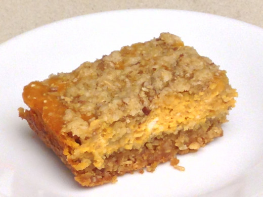 Pumpkin Pie Bar made with canned pumpkin pie puree and cream cheese