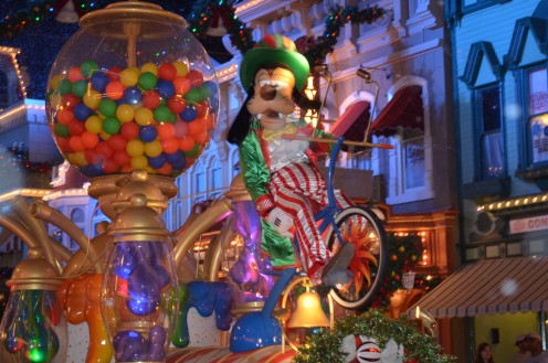 "Goofy waves to guests lining Main Street U.S.A. at The Magic Kingdom during the annual ""MIckey's Very Merry Christmas Party.""  Crowds are small, lines short because only party ticket holders stay in the park!"