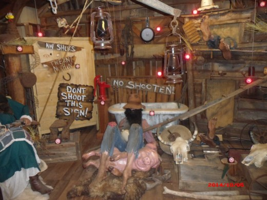Wax figures at Hatfield and McCoy Dinner Theater