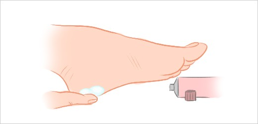 Step 7 - Apply foot cream and massage your feet