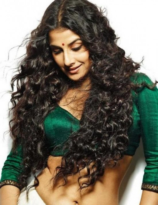Vidya Balan long Hair Style