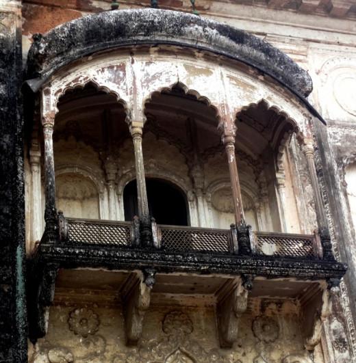 Triple -arched veranda