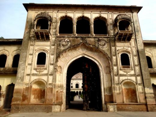 The main gate 2