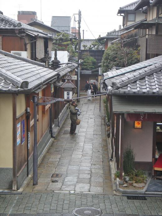 Typical side street between Kiyomizudera and Yasaka Jinja