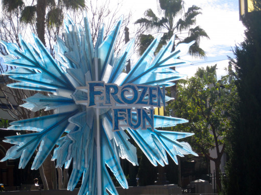 Frozen Fun snowflake by the entrance to Hollywood Studio's Backlot