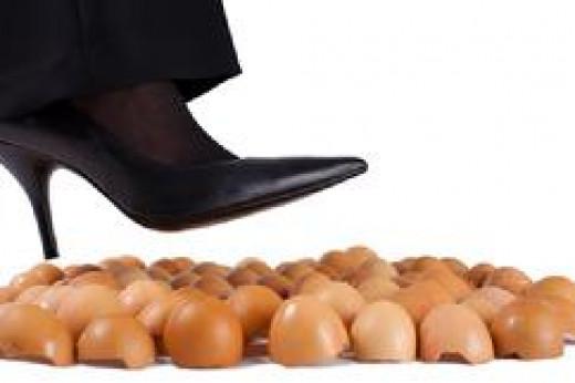 pisar em ovos