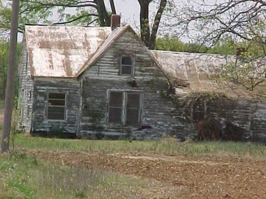 This poor neglected house sits abandoned while waiting for a new owner.