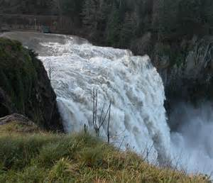 Finish off your Highway 18 day trip at the end of the highway in the town of Snoqualmie. Follow signs to this enormous waterfall cascading over a dramatic cliff. Trails have re-opened, waterfall is near parking lot.