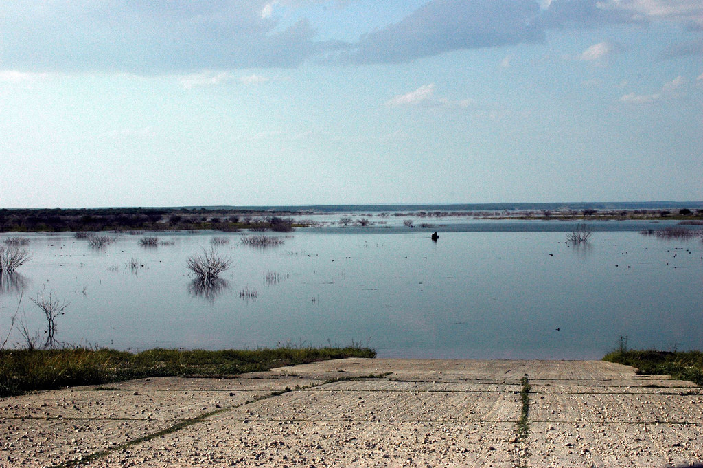 Boat launch facilities and marinas at lake amistad del for Lake amistad fishing
