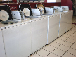Laundromats in U.S. provide both top loading machines and front loaders.