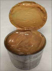 Finished can of dulce de leche