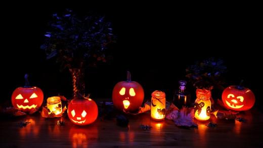 Jack-o-lanterns abound around the Halloween season.