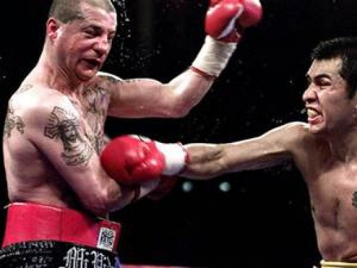 Johnny Tapia fought all the best bantamweight and featherweights of his generation. Tapia fought with emotion and he had underrated boxing skills.