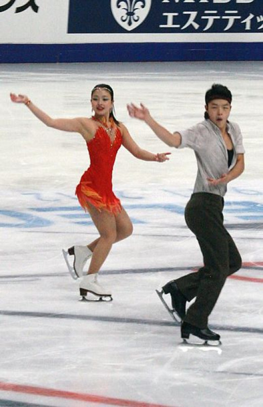 Four-time US Medalists Maia & Alex Shibutani. No copyright infringement intended. Used via: https://creativecommons.org/licenses/by-sa/3.0/deed.en