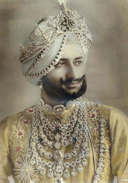 Yadavindra Singh, Maharajah of Patiala, with the Patiala Necklace