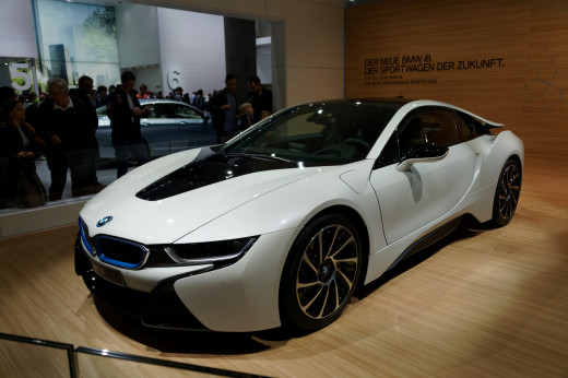 The BMW i8 - a muscley hybrid!