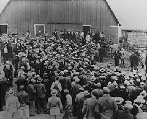 Farmers in the Great Depression looking for jobs