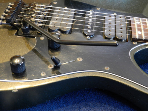 When buying a used guitar always check to be sure the controls and mechanics are working correctly, and that the hardware shows acceptable signs of wear.