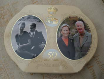 Delacre cookie box designed to commemorate the 50th wedding anniversary of King Albert II of the Belgians and Queen Paola, in 2009.