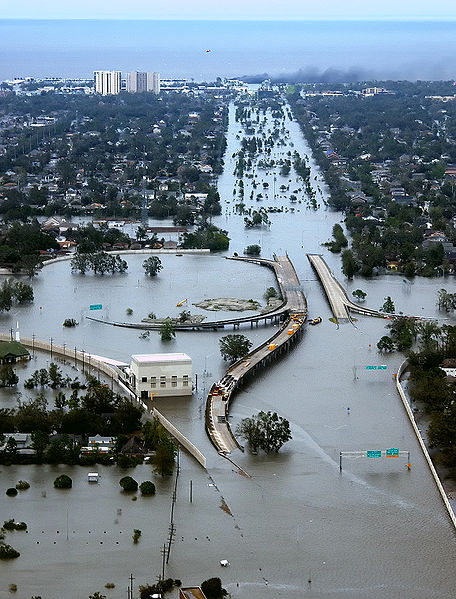 Flooded I-10/I-610/West End Blvd interchange and surrounding area of northwest New Orleans and Metairie, Louisiana