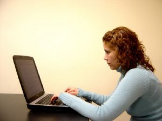Online groups can offer support and encouragement to moms.