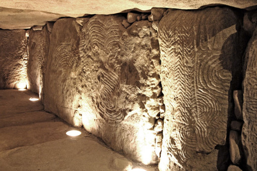 This replica of the Gavrinis passage tomb can be viewed in the Bougon museum.