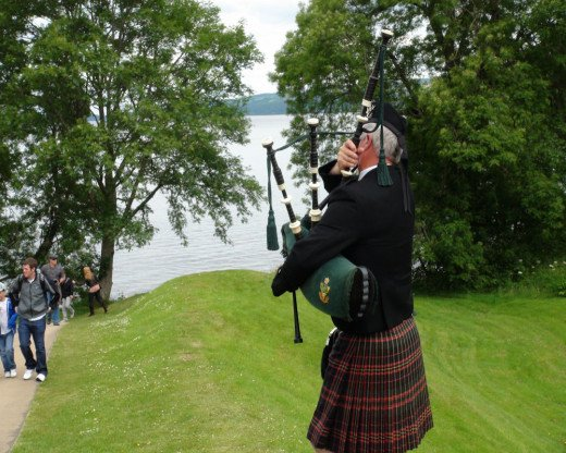 "Urquhart Castle ""Celtie"" Bagpipe Player.  These musicians were not shy from the cameras, I was just standing in the wrong place."