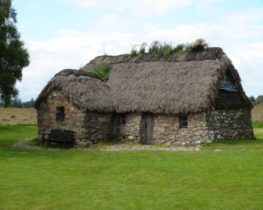 Photograph of a 1700's era field house that remains and is maintained on the battlefield moor.