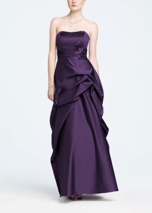 Ballgown with a pick-up skirt