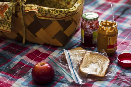 Plan a picnic for your mom—and don't let her do any of the work!