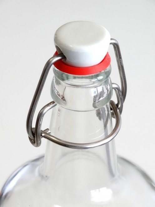 Eco-friendly storage of water for safe drinking and hydrating the brain.