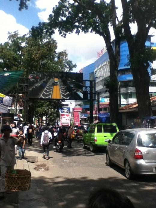 Cihampelas Street at daytime