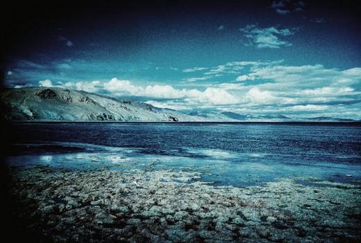 Lake Manasarovar, source Wikimedia Commons